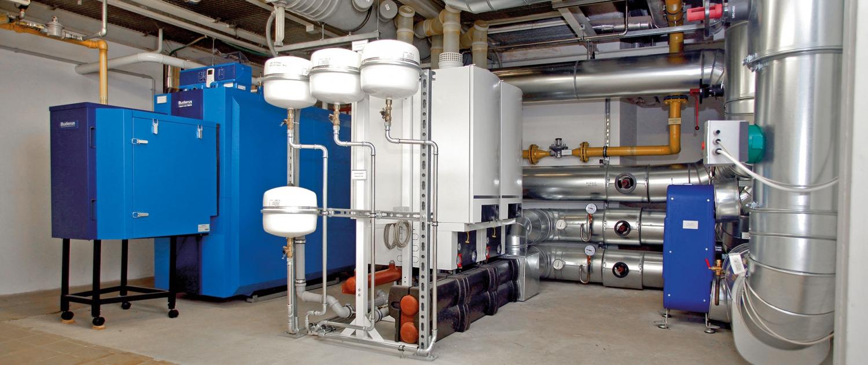 Gas-Brennwertkessel mit Brennwertgeräten